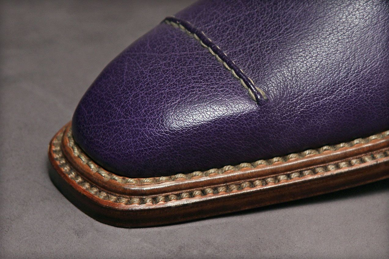 Although the photograph depicts two pearl-style stitching lines, either of them could easily be replaced with welting. The total thickness of multi-level soles is greater than that of welted soles, which makes them a bit more stiff.